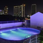  Roof Pool