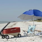  Everthing for the beach - even the wagon!
