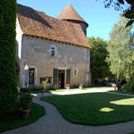  Chateau d&#39;Ingrandes - La cour et le Hourd