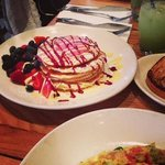  Specialty pancakes, kiwi lemonade, white toast and veggie omelet