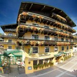 Photo of Hotel Neuhaus Saalbach
