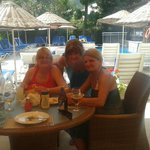  Time for lunch at the pool bar
