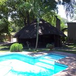 Fish Eagle's Nest swimming pool and lapa