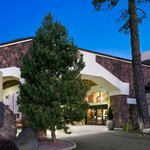  Exterior Embassy Suites Flagstaff