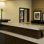 Front Desk Hampton Inn Evansville