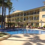  Pool and Accommodation