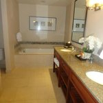  Master Bath- Big Soaking tub, large shower, double sink