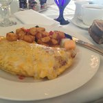  Yum! Omelet and ranch potatoes