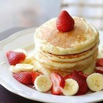  Free pancakes with fresh fruit