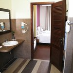 Suite Room Bathroom