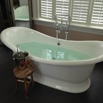  French bathtub