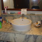  Wash basin in bahroom