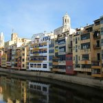  View of Girona and of the Onyar River