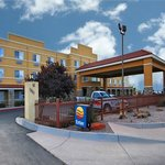 Photo of Econo Lodge Inn & Suites Albuquerque Airport