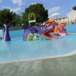  splash pool with slides