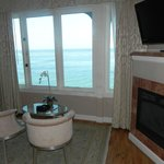  These windows open - enjoy the sound of the surf