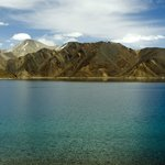 Pangong lake and its colours