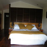 bedroom - bed