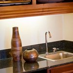 One-Bedroom Suite Wet Bar