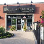 Bull & Barrel Pub