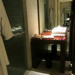 Wash Room/Dressing Table - Spa King Room