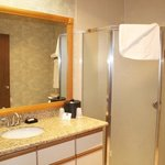  Deluxe Whirlpool Suite
