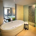  Honeymoon Suite Bath