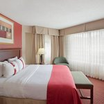 All guest rooms feature 32' TVs and free WiFi.