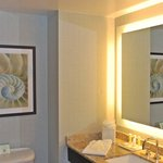 Coming Soon! Beautiful new baths in all guestrooms (by Dec. 2012)