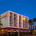 Crowne Plaza Redondo Beach Hotel&#39;s New Exterior