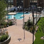  Outdoor Pool &amp; Whirlpool