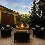  Outdoor Patio &amp; Fire Pit