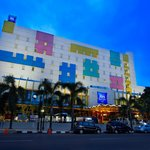  Building Ibis Budget Jakarta Cikini