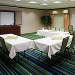 Fairfield Inn &amp; Suites Rogers
