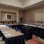  Hilton Santa Clara hotel meeting room