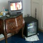 "tv e ""frigo bar"""