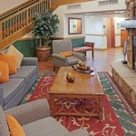 CountryInn&Suites Scottsdale  Lobby