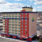 HOLIDAY INN EXPRESS CENTRAL IS LOCATED IN THE HEART OF EL PASO