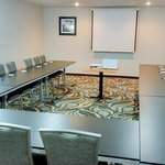  Meeting Room - 540 sq ft in conference style with Projection
