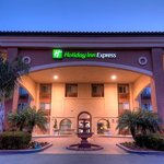 Twilight Entrance to the Holiday Inn Express Temecula Wine Country