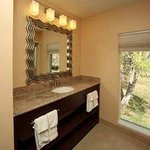 Modern And Beautiful Bathrooms w/Granite Vanity