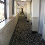  Stay Inn Suites Detroit Hallway