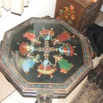 Decorative incrusted table in INDRASHAN