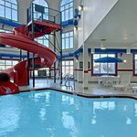  Indoor Pool Waterslide Hot tub and Steam Room