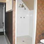  Fabulous shower -- big enough for two