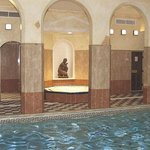  Roman Spa Hot Tub