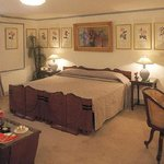  Interior Art Deco Suite