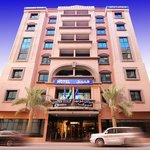  Golden Tulip Al Barsha Exterior
