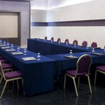  The Elegant and Cozy Meeting Room &quot;Al Hareth&quot;