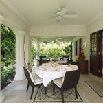 Villa Patio Outdoor Dining AH